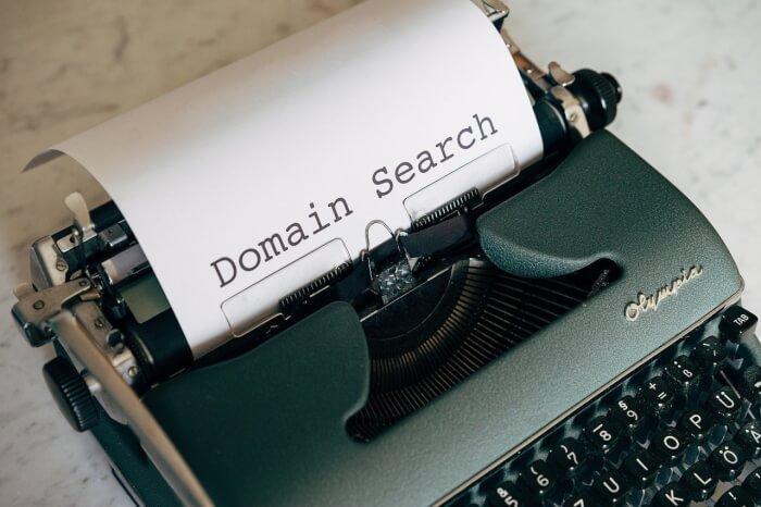 выбор домена при создании сайта